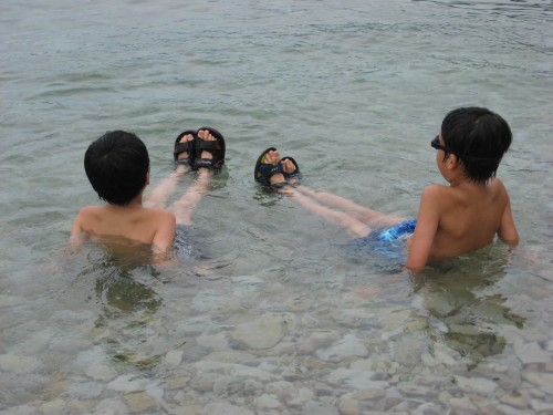 浄土ヶ浜で海水浴